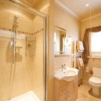 Standard Double Room with shower and Garden View