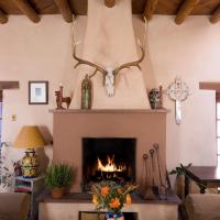 Hotel Pictures: Hacienda Nicholas Bed & Breakfast, Santa Fe