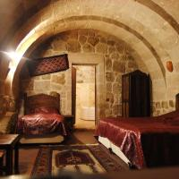 Triple Cave Room