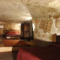 King Cave Room