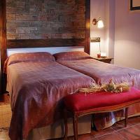 Hotel Pictures: Hotel Casbas, Senegüé
