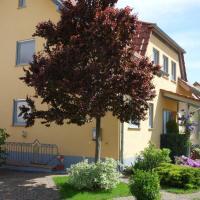 Hotelbilleder: Antjes Ferienwohnung Flonheim, Flonheim
