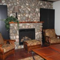 Hotel Pictures: Firesong, Fowler Lake