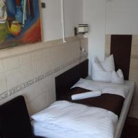 Mini Economy Single Room with Shared Bathroom - 22/24 Grojecka Street