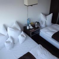 Economy Quadruple Room (4 Adults) with Shared Bathroom - 22/24 Grojecka Street