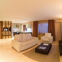 Deluxe One-Bedroom Apartment on Boulevard Lesi Ukrainki 3