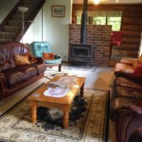 Hotel Pictures: Canobolas Mountain Cabins, Lidster