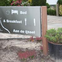 Hotel Pictures: Bed & Breakfast 'Aan de IJssel', Zwolle
