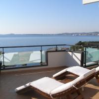 Hotel Pictures: The Rooms Apartment, Vlorë