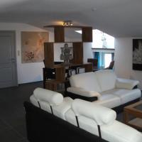 Hotel Pictures: La Ferme des Oliviers, Bende