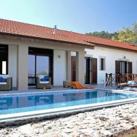 Luxury in Nature Villa