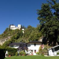 Hotel Pictures: Apartments Schloß-Weißenstein-Straße, Matrei in Osttirol
