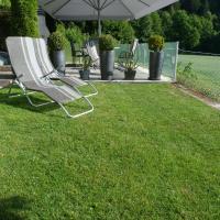Hotel Pictures: Ferienhaus Blümel, Velden am Wörthersee