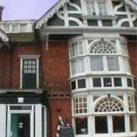Hotel Pictures: Kingswood Hotel, Maidenhead