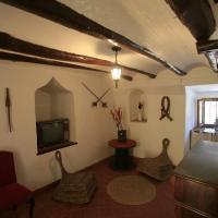 Hotel Pictures: Torreta de Sant Tomàs, Cocentaina