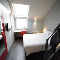 Standard room with 1 Double  and 2 Single beds Ocean View Double