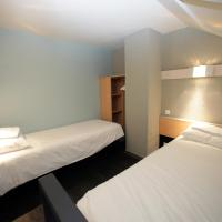 Standard Room with 1 Double Bed and 2 Single Beds, Duplex