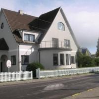 Hotel Pictures: Villa Marleen, Pärnu