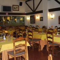 Hotel Pictures: Bar-Restaurant Hostal Can Gurt, Santa Coloma de Farners