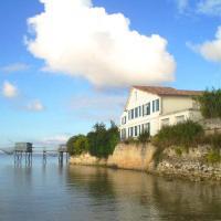 Hotel Pictures: La Vieille Maison de La Douane, Talmont