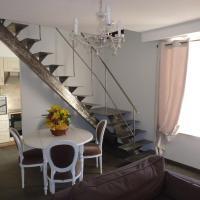 Hotel Pictures: Holiday Home & Spa - Le Rendez Vous de Vauban, Mont-Dauphin
