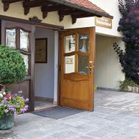 Hotel Pictures: Hotel Reinhardtshof Garni, Wolfschlugen