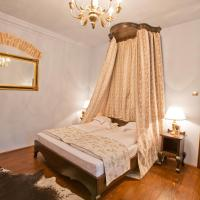 Deluxe Double Room with Canopy