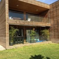 Hotel Pictures: Appartement avec Terrasse, Venelles