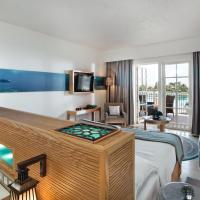 Deluxe King Room with Lagoon View