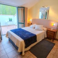 Hotel Pictures: Hostal Jai Alai, Leitza
