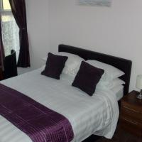 Hotel Pictures: Lockinbar Holiday Apartments, Tenby