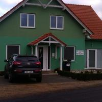 Hotel Pictures: Ubytování U Zeleného domu, Mikulov