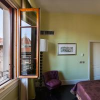 Deluxe One-Bedroom Apartment with Duomo View