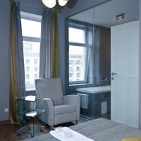 Top floor Modern Studio Street View Apartment with Bath on Khreschatyk 17