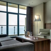 Superior Suite with Seaview Lounge Access