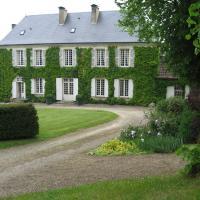 Hotel Pictures: Maison d'hôtes Manoir Le Bourdil Blanc, Saint-Sauveur
