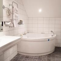 Superior Suite with Spa Bath (2 Adults)
