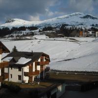 Hotel Pictures: Ferienwohnung im Haus Primula, Obersaxen