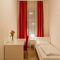 Four-Bedroom Apartment (13 Adults) Top 11