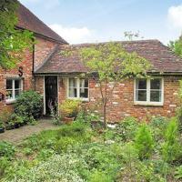 Hotel Pictures: Little Court Cottage, Barham