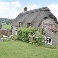 Hotel Pictures: Garden Cottage, Warminster