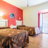 Hotel Pictures: Hostal El Caballo Blanco, Osuna