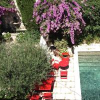 Hotel Pictures: Hotel Les Templiers, Aigues-Mortes