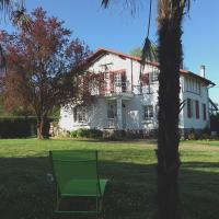 Hotel Pictures: Maison de la Paloumère, Sallespisse