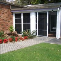 Hotel Pictures: Serenity Lodge NSW, Bonnells Bay