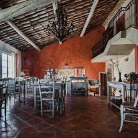 Hotel Pictures: Le Mas Du Pont Roman, Mane