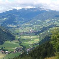 Hotel Pictures: Happy Camp Mobile Homes in Camping Bella Austria, Sankt Peter am Kammersberg