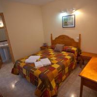 Hotel Pictures: Rural Calaceite Habitaciones, Calaceite