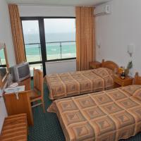 Standard Twin Room with Front Sea View
