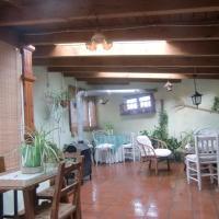Hotel Pictures: Casa Rural Jose Trullenque, Morella